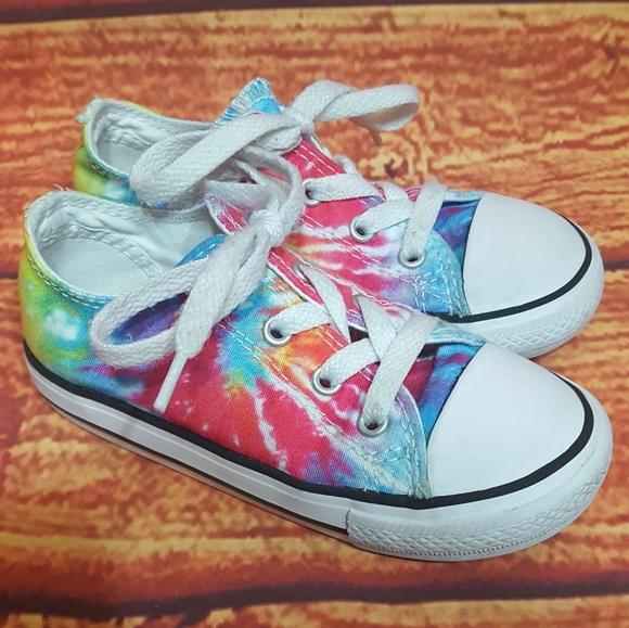 Converse Other - Converse Tie Dye toddler 9 low top shoes rainbow c5e321cf7